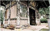 復元前の随身門