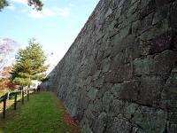 本丸の裏側の石垣