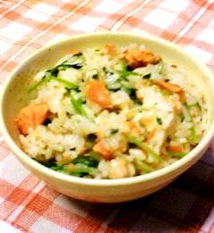 サーモンフレークの混ぜご飯