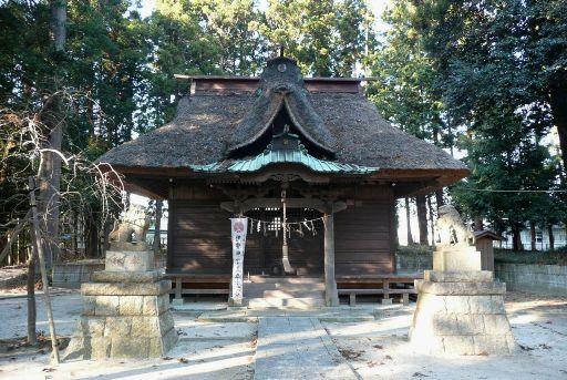 茅葺の拝殿