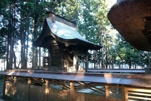 銅板葺の本殿