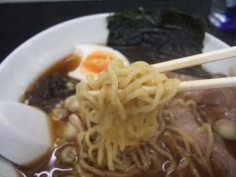 中細ちぢれ麺