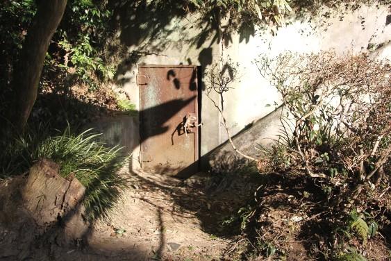 山寺水道の扉
