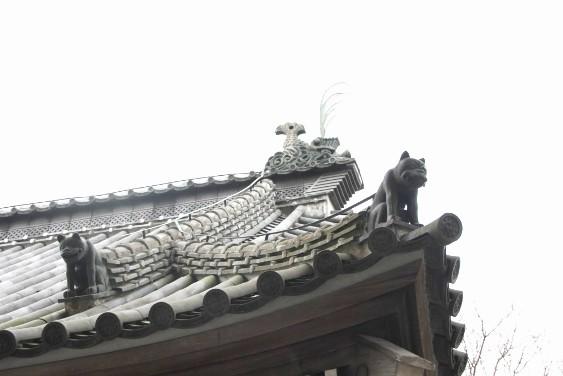 屋根の鬼犾頭・鬼龍子