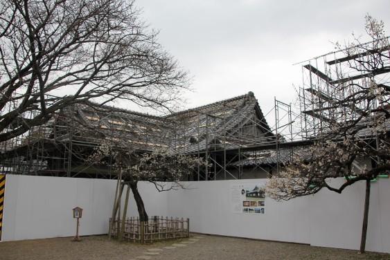 修復工事中の弘道館