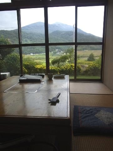 部屋からの筑波山