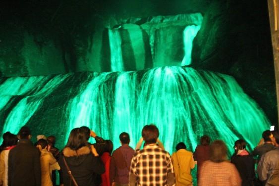 ライトアップされた袋田の滝