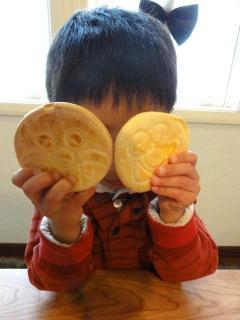 桃侍くんの焼いたアンパンマンクッキー