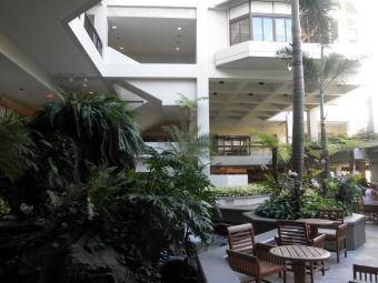 ホテル中2