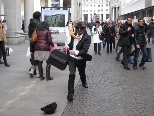 IMG 2260 convert 20100322092319 - ミラノの大道芸人