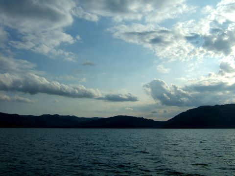 午後の十和田湖