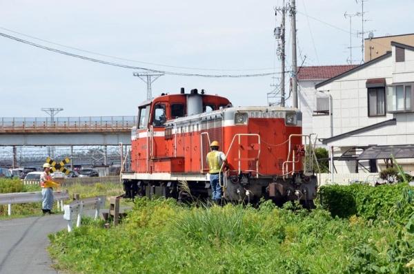 浜松レールセンター専用線を行くDE10