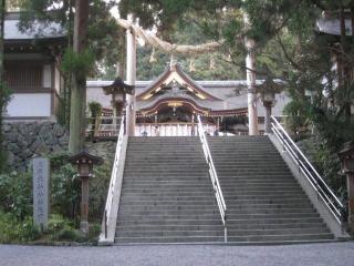 拝殿を望む