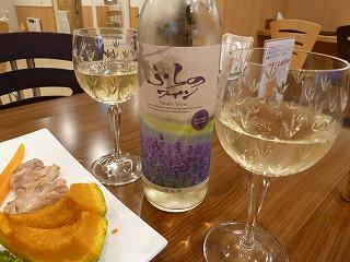 ランドマーク夕飯のワイン