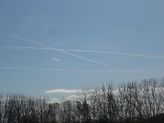 飛行機雲錯角2013