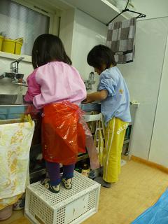 2011 03 23 絵の具あそび tibi02