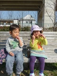 2011 03 29 公園あそび tibi01