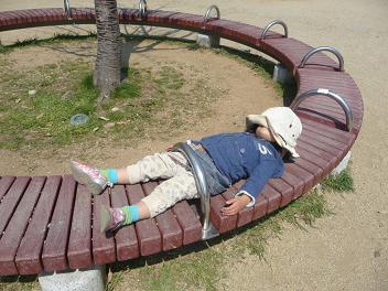 2011 03 31 きっぺい君と公園 tibi06