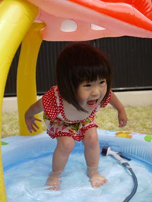 2011 05 21 プールあそび tibi01