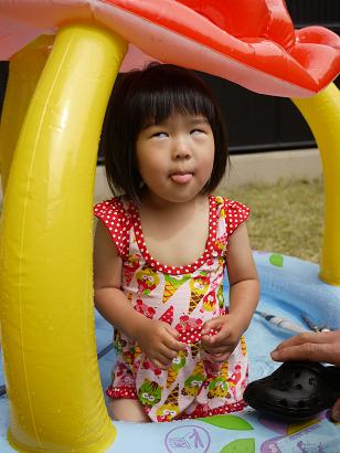 2011 05 21 プールあそび tibi06