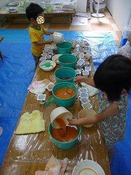 2011 07 13 アトリエで色水 tibi02