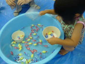 2011 07 13 アトリエで色水 tibi03