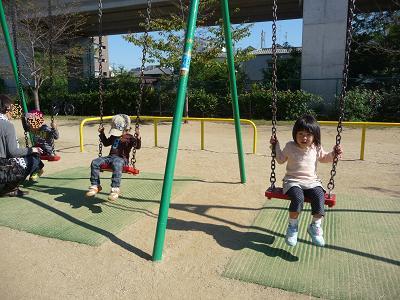 2011 10 27 つぼみ組と芋掘り tibi02