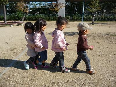 2011 10 27 つぼみ組と芋掘り tibi03