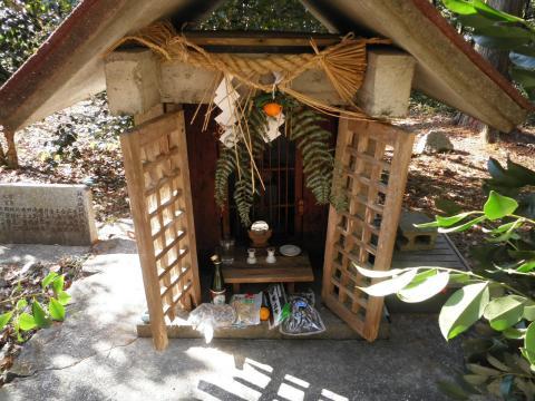 坂本城跡の祠176