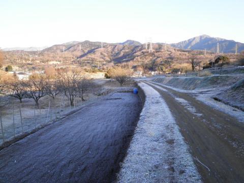 霜の農道41