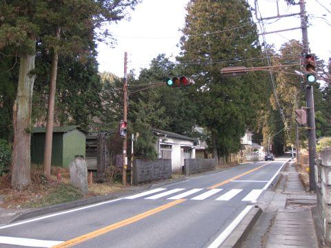 生岡神社参道入口
