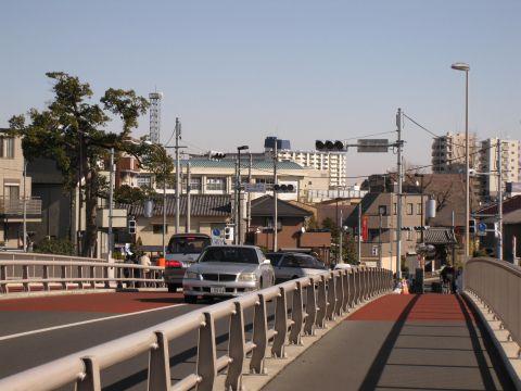 中川橋を渡って新宿へ