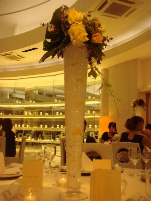 テーブルの花束