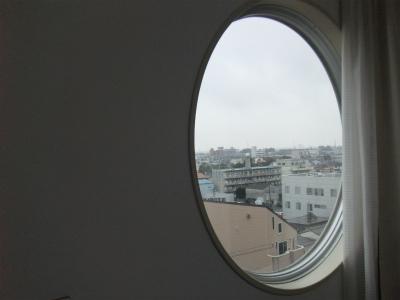 マンション7階窓