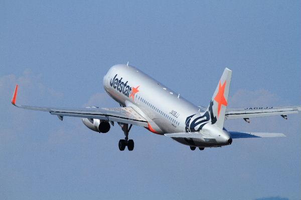 GK A320-232 JA08JJ RJOM 130819 04