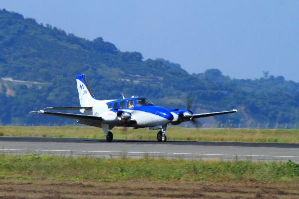 Beachcraft 58 Baron JA51HD RJOM 130827 03