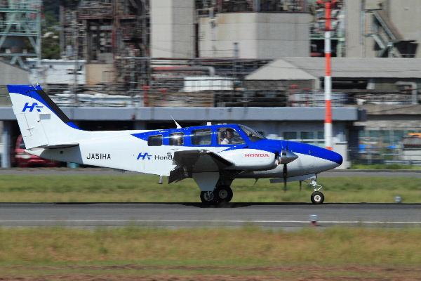 Beachcraft 58 Baron JA51HD RJOM 130827 04
