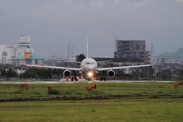 GX A320-232 JA12JJ RJOM 130902 01