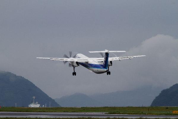 EH DHC-8-402Q JA846A RJOM 130902 02