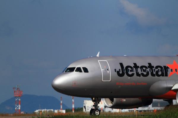 GK A320-232 JA03JJ RJOM 131021 013