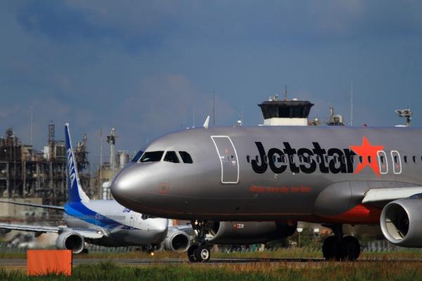 GK A320-232 JA03JJ RJOM 131021 010
