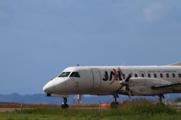 3X SAAB-340B JA8886 RJOM 131016 01