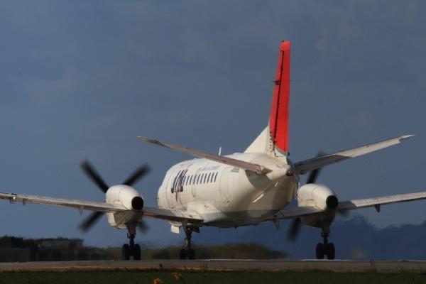 3X SAAB-200B JA8886 RJOM 131016 02
