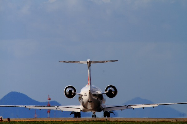 XM CRJ-200ER JA206J RJOM 131016 02