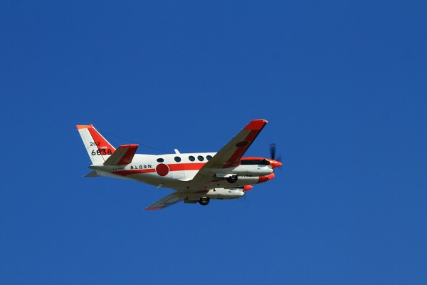 JMSD TC-90 King Air 202-6838 RJOM 131028 07