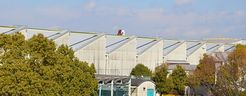 のこぎり屋根の工場