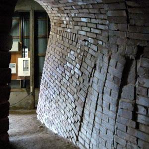 深谷レンガ窯入口