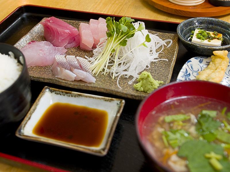 sashimi_tei_taku.jpg