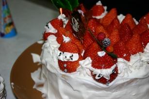 2009ショートケーキ・・・微妙にサンタ・・・