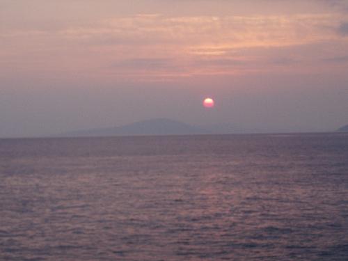 斑島の朝日